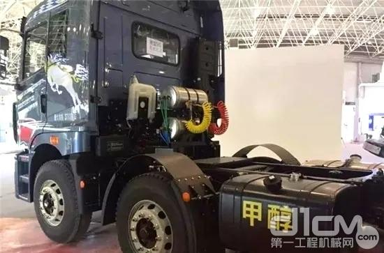 甲醇-柴油双燃料重卡(半挂牵引车)