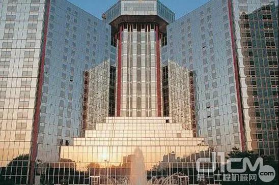 国内首个玻璃幕墙建筑:北京长城饭店
