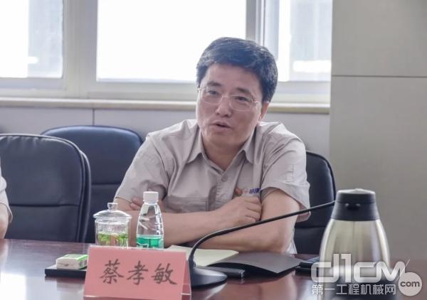 鞍钢建设集团汽运市政公司经理蔡孝敏