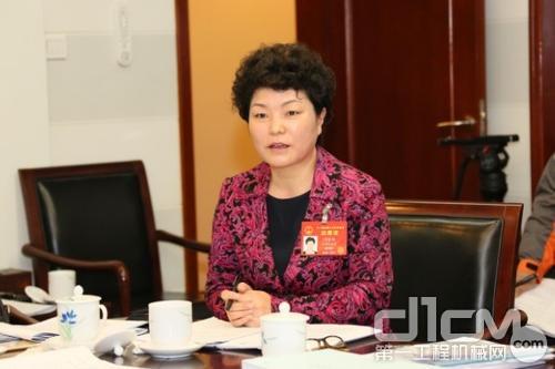 全国人大代表、徐工集团高端365bet体育智能制造国家重点实验室主任闫丽娟