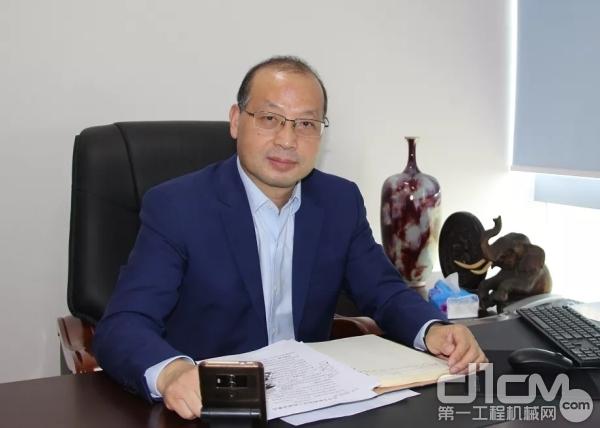 协会会长助理吴培国发言