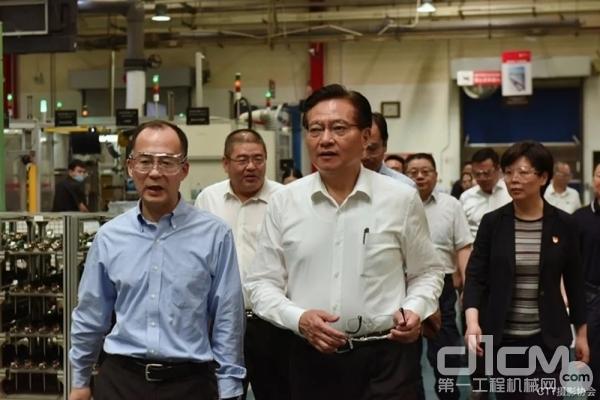 无锡市委书记黄钦到无锡康明斯涡轮增压技术有限公司实地调研