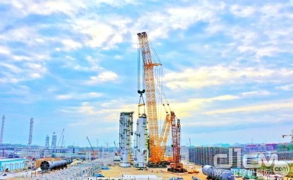"""""""世界第一吊""""于古雷炼化一体化项目力擎全球最大EO/EG洗涤塔"""