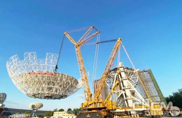 XGC28000成功完成亚洲最大70米火星探测数据接收天线反射体整体吊装