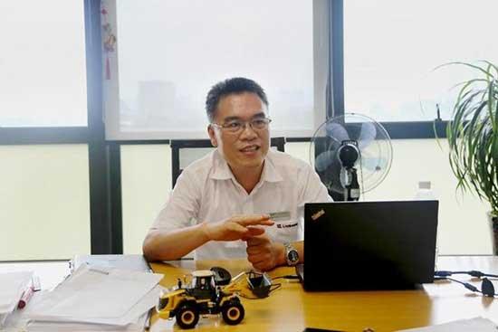 采访广西柳工总工程师