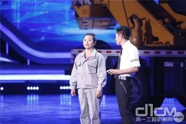黄芳在央视《挑战不可能》节目现场