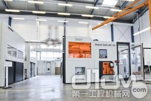 在位于肯普滕的Liebherr-Verzahntechnik GmbH新技术中心,利勃海尔展示并测试了新的高质量自动化系统。