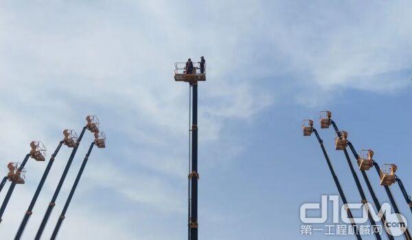 XGS58成功平稳升至58米最高处