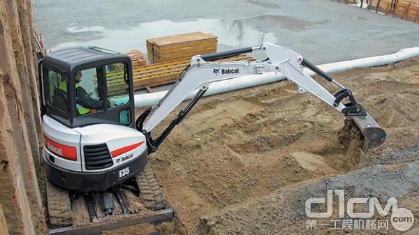 山猫挖掘机