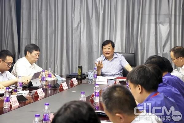 谭旭光主持召开长三角地区潍柴企业科研人员座谈会