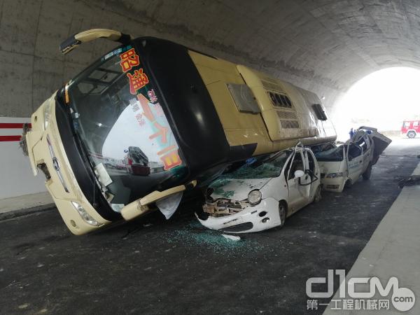 隧道交通事故科目模拟场景