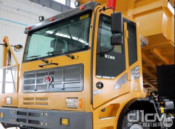 自主研发的MT86H/MT95矿用车专用宽体驾驶室
