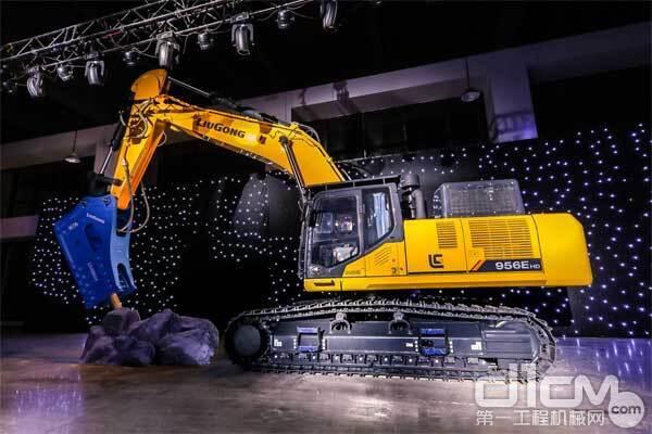 柳工956EHD挖掘机是柳工全新推出的一款升级版、破碎专用版挖掘机