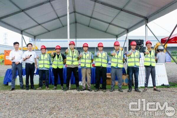 柳工挖掘机测试试验团队