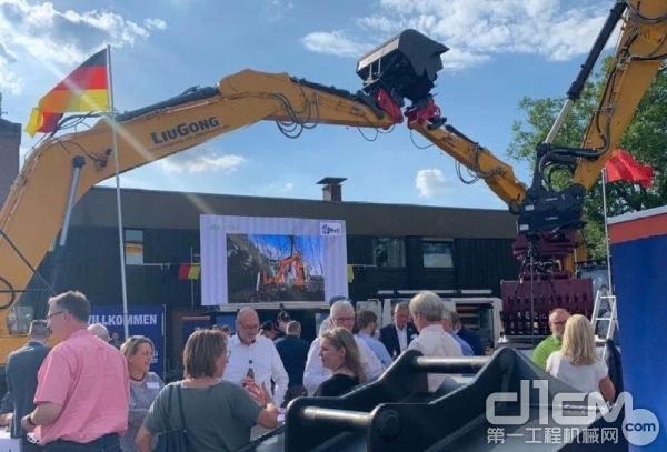 穆里工程机械服务公司正式成为柳工在德国4个大区的官方代理商