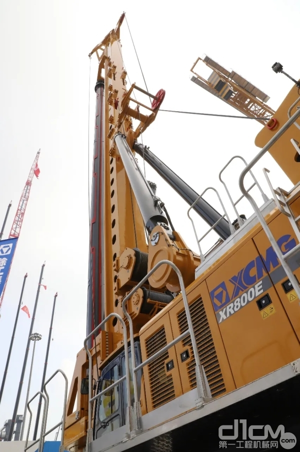 全球最大吨位旋挖钻机徐工XR800E