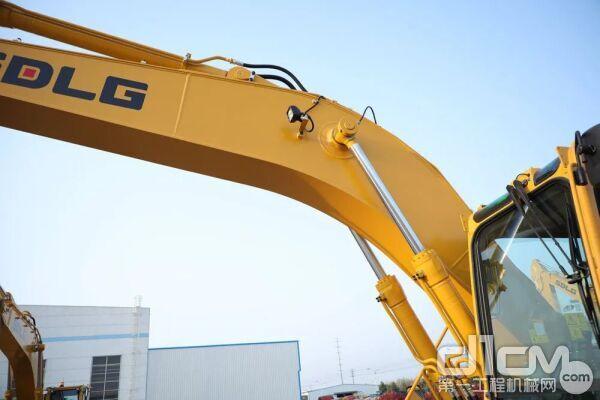 山东临工E6210FHD挖掘机标配重载加强型工作装置
