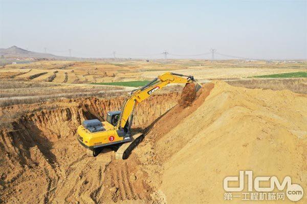徐工XE335DK挖掘机