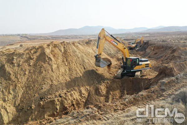 徐工XE335DK挖掘机在高海拔、高强度作业环境中保持动力稳定输出