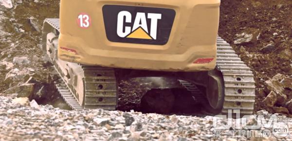 新一代CAT349挖掘机
