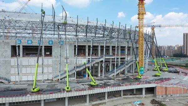 成都大运会凤凰山体育公园项目施工现场