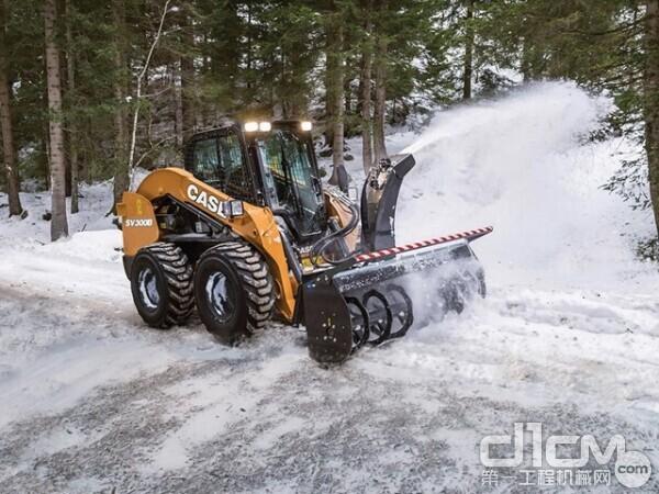 搭载沈阳德恒研发的扫雪滚刷