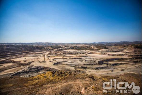 刚果(金)矿石剥离企业客户施工场地