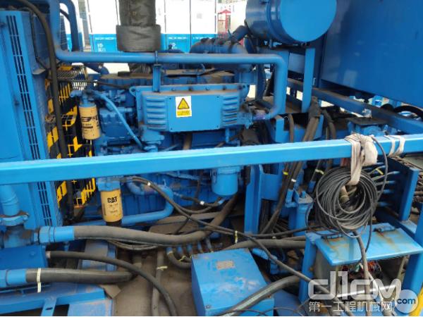 固井泵发动机撬块