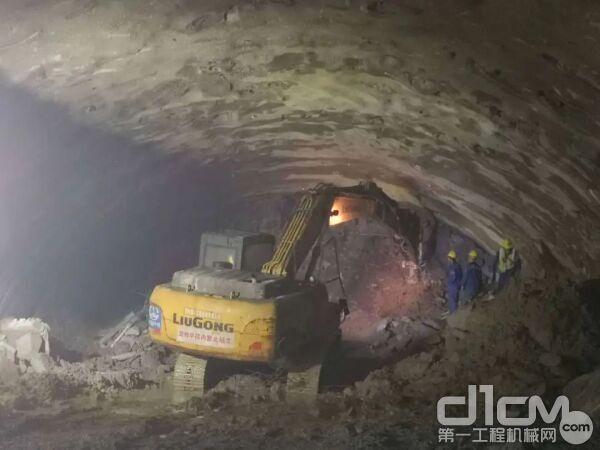 助力清凉山左线隧道