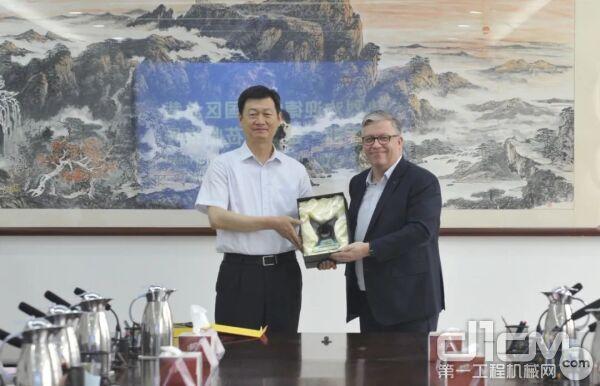 德纳新任中国区总裁马库斯·金