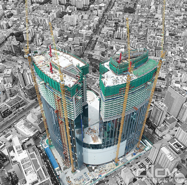 △中联重科塔机群助建济州岛地标建筑梦想大厦