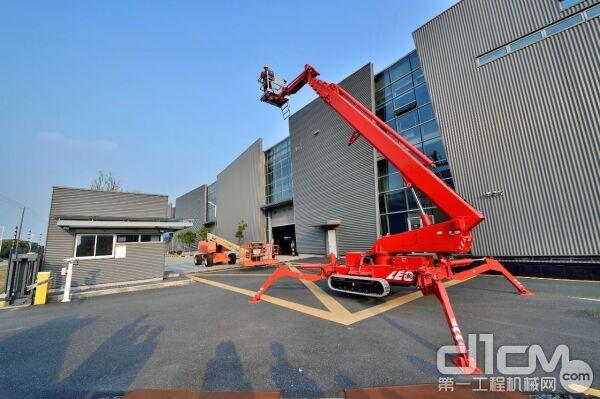 宏信建发高空作业设备