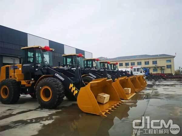 徐工5吨级产品批量交付齐鲁大地某内河港口