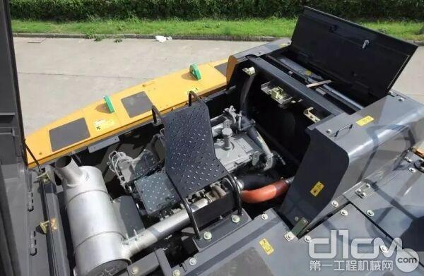 凯斯CX490C拥有可提供270KW净功率的6缸高压共轨发动机