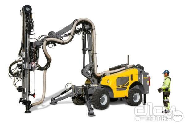FlexiROC T20 R多功能遥控式露天钻机