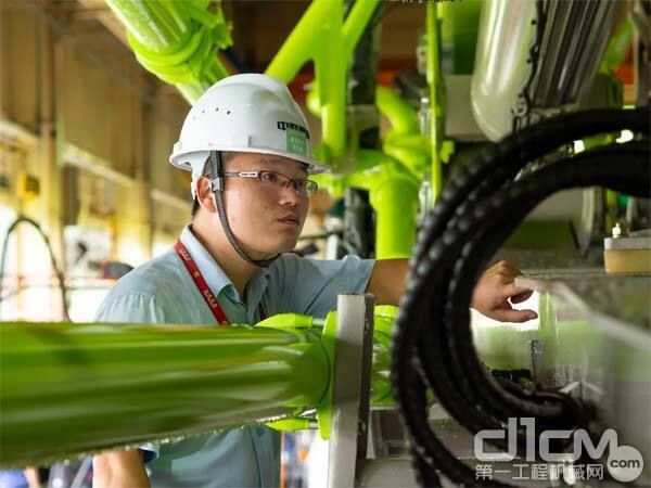 泵送机械公司 四桥及以上泵车产品平台经理 岳红旭