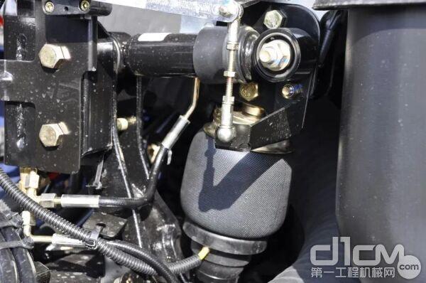 横向阻尼后悬,驾驶室震动降低15-20%