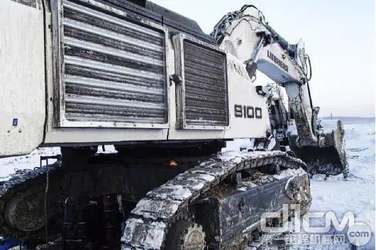 R 9100B在俄罗斯工地 ( 极寒 / -40℃以下 )