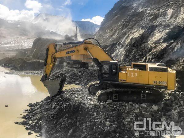 徐工XE900D挖掘机
