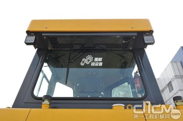 标配后置式空调,驾驶室空间大、视野好
