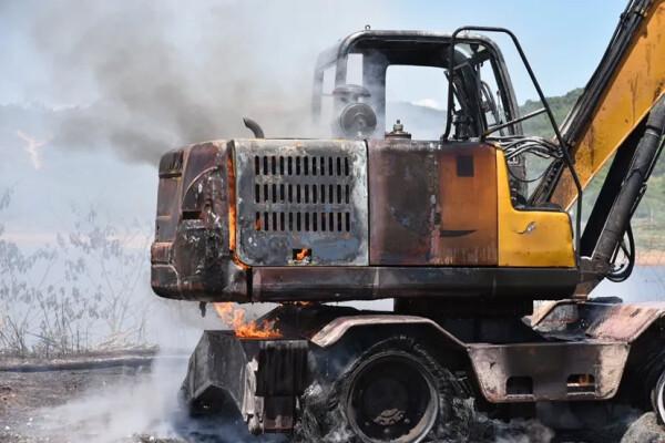 挖掘机自燃事故