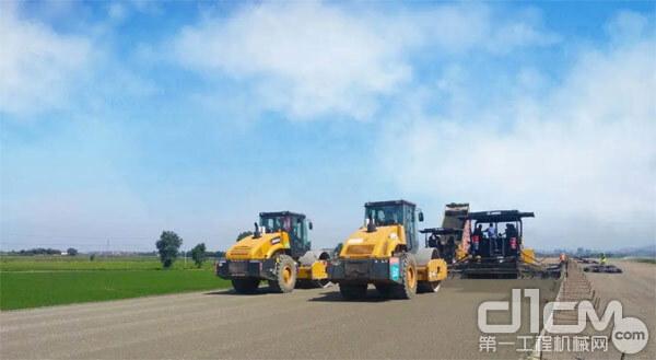 王迪坤的徐工道路机械设备