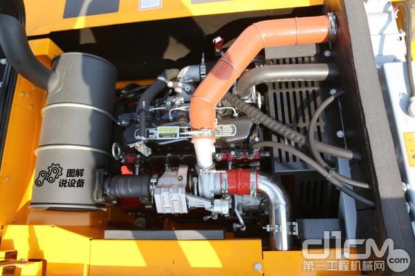 龙工LG6135搭载康明斯QSF3.8发动机