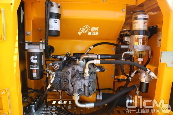 采用川崎液压系统,主要液压件使用进口元件