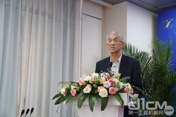 中国工程机械工业协会会长祁俊致辞