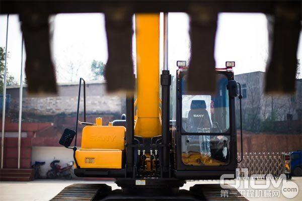 挖掘机空调保养