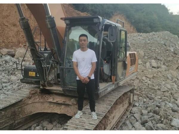 访凯斯挖掘机用户