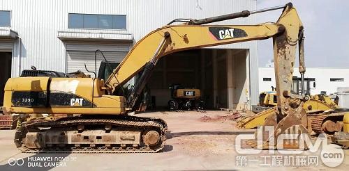 CAT®(卡特)329 大修前