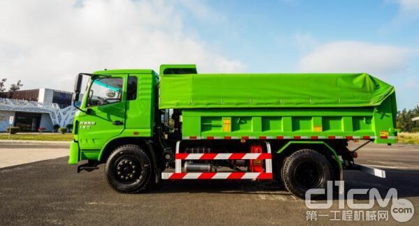 红岩杰豹4X2自卸车