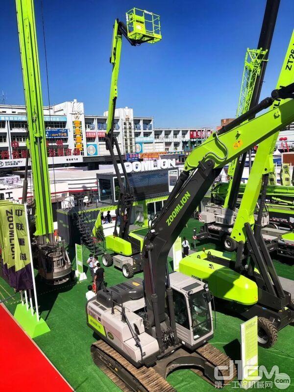 △中联重科高空作业机械亮相雄安工程机械展